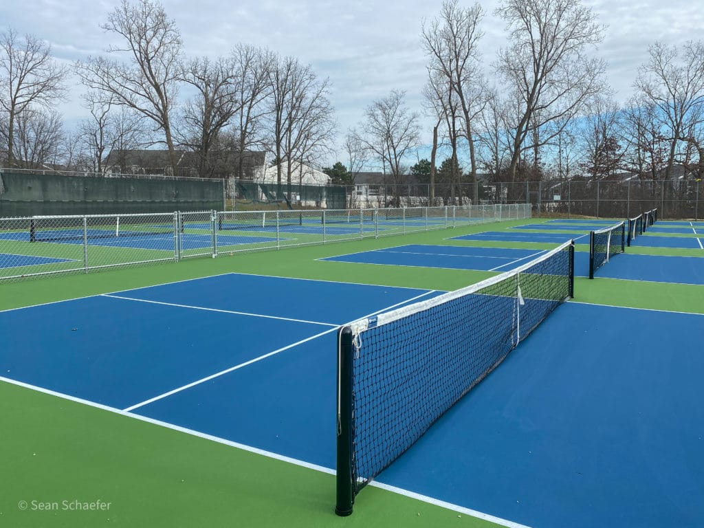 Top slider image of pickle ball courts